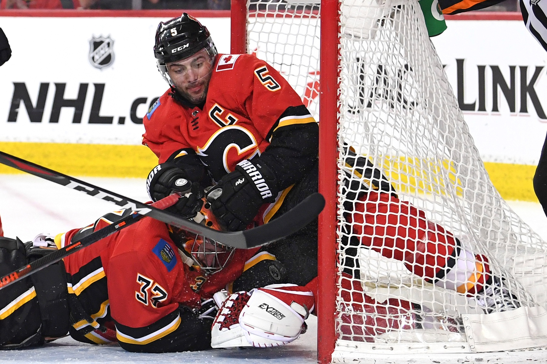 Mark Giordano Dominates Norris Balloting And Other Nhl Awards